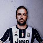 RESMI : Gonzalo Higuain mendarat di Juventus Stadium