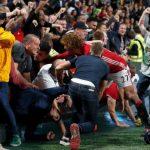 Aksi Fellaini Menyelamatkan Penonton Pada Kegilaan Selebrasi