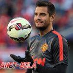 Resmi, M.U Perpanjang Kontrak Kiper Sergio Romero