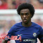 Barcelona Gencar Bidik Gelandang Chelsea, Willian