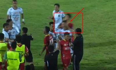 Kapten-Bhayangkara-FC-Pukul-Leher-Pemain-Bali-United