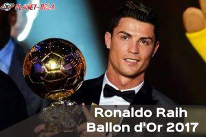 Ronaldo-Raih-Ballon-dOr-2017