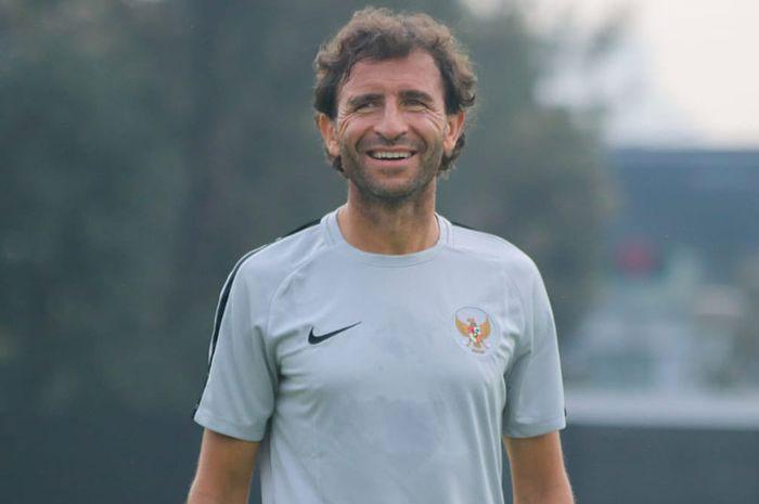 Coach Luis Milla